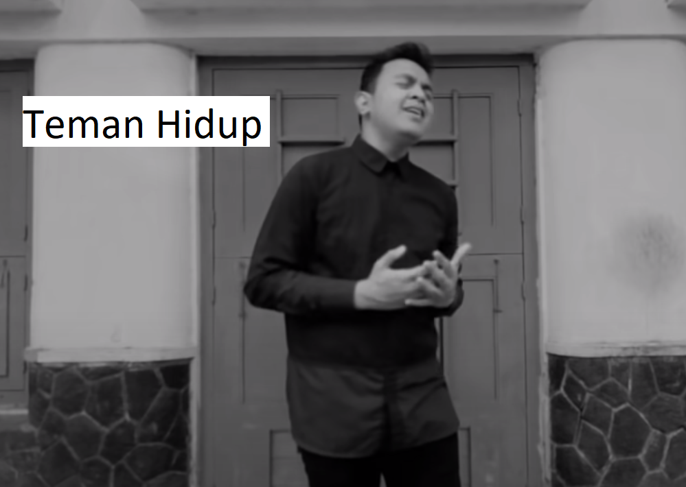Rekomendasi Lagu Tulus, Penyanyi Pop Jazz Favorit Indonesia